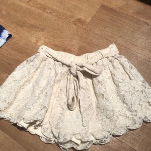 Tobi cream lace shorts with tie